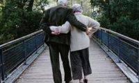 რატომ იკლებენ სიმაღლეში ხანდაზმულები?