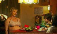 """შარლიზ ტერონმა როლისთვის 22 კილოგრამი მოიმატა – """"ღამის 2 საათზე მაკარონს და ყველს ვჭამდი"""""""