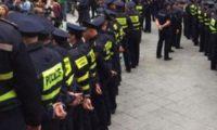 ლილოში პოლიციაა მობილიზებული – რა ხდება შემოსავლების სამსახურის გაფორმების ეკონომიკურ ზონასთან