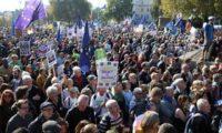 """ლონდონში ნახევარი მილიონი ადამიანი აქციას აწყობს – """"მოვითხოვთ ბრექსიტზე ხელახალ რეფერენდუმს"""""""
