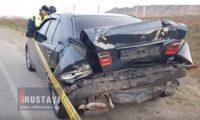 რუსთავში მერსედესი მანქანას უკნიდან შეასკდა – ვიდეო