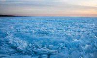 """მიჩიგანის ტბა ყინულის """"ფრთებით"""" დაიფარა"""