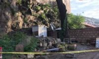 რიყეზე ძლიერმა ქარმა კონსტრუქცია ჩამოშალა – დაიღუპა 1 უცხოელი, 2 ადამიანი დაშავდა