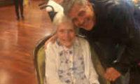 ჯორჯ კლუნიმ 87 წლის ქალს დაბადების დღე მიულოცა