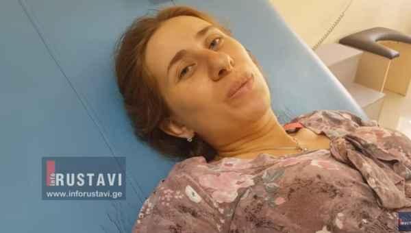რუსთავში 29 წლის ქალმა სამშობიაროში მიყვანამდე იმშობიარა - ვიდეო