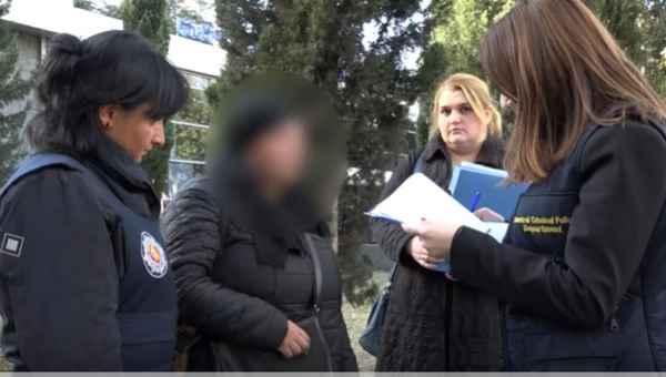 პეკინის გამზირზე 35 წლის დედა შვილებს მათხოვრობას აიძულებდა - ვიდეო