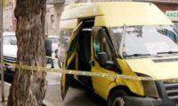ჩუბინაშვილზე 129 ნომერ სამარშრუტო ტაქსს მანქანა დაეჯახა – 3 ადამიანი დაშავდა