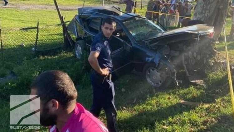 საშინელი ავარია ანაკლიაში – მერსედესი ხეს შეეჯახა, 3 ადამიანი დაიღუპა