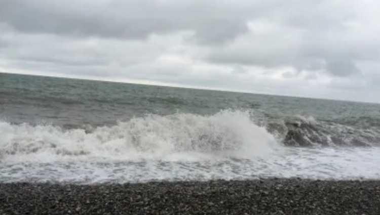 """""""ნასვამი შევიდა და დაიკარგა"""" – აჭარაში ზღვაში ახალგაზრდა მამაკაცს ეძებენ"""