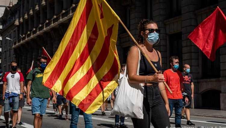 კატალონიაში დამოუკიდებლობის მოთხოვნით დიდი აქცია გაიმართა