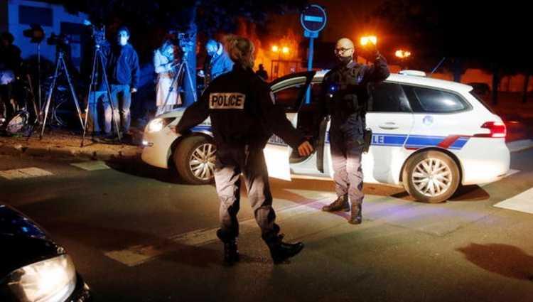 პარიზში მასწავლებელს თავი მოჰკვეთეს - დამნაშავე მოსკოველი 18 წლის ახალგაზრდაა