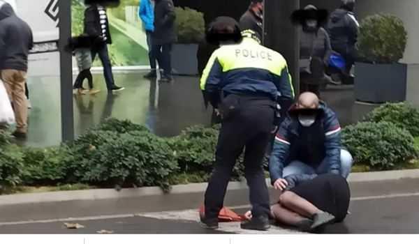 პარლამენტის შენობასთან სამართალდამცავებმა 2 პირი დააკავეს