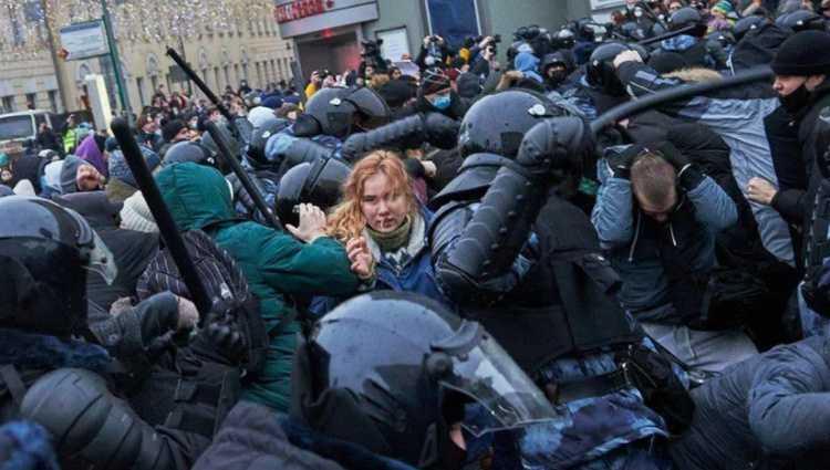 ნავალნის მხარდამჭერთა აქციებზე რუსეთში 3.000 პირი დააკავეს