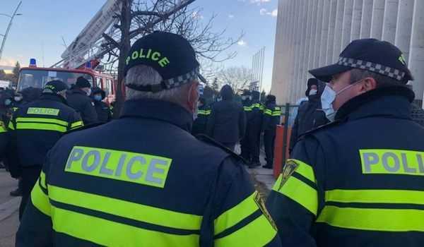 პოლიციამ გიორგი ბოტკოველი და აქტივისტები დააკავა