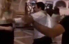 არჩილ თალაკვაძე რესტორანში რუსულ სიმღერაზე ცეკვავს - ვიდეო