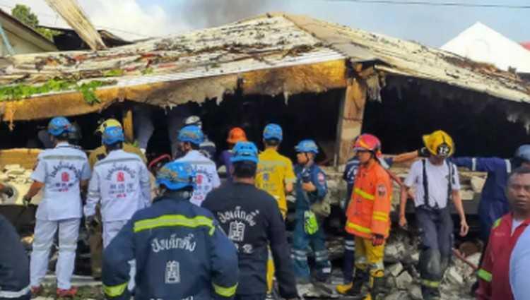 ბანგკოკში 4 სართულიანი სახლი ჩამოინგრა - 4 ადამიანი დაიღუპა