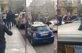 """""""ღვინის რესტორნის მფლობელს ჩხრეკს პოლიცია, რადგან მას ჯიბეში ღვინის გასაღები ედო"""" - ვიდეო"""