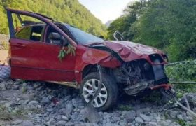 ქედაში მანქანა ხრამში გადავარდა - 2 ადამიანი დაიღუპა, 5 დაშავდა