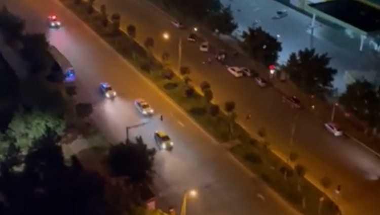 დიდ დიღომში პოლიციის 4 ეკიპაჟი მანქანას მისდევს - ვიდეო