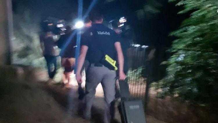 მთაწმინდაზე, სადაც შანაე ბრუკის ცხედარი იპოვეს, პოლიციის სპეცჯგუფი მივიდა